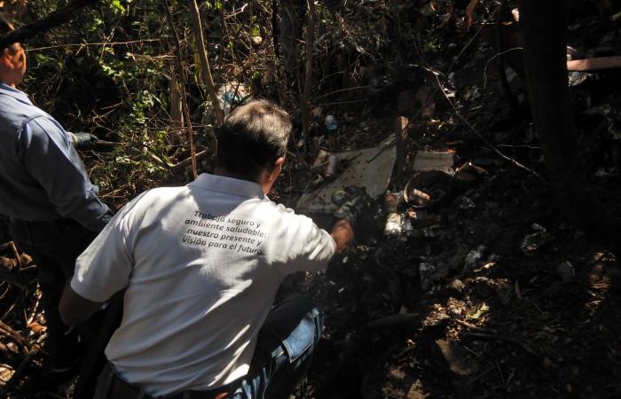 Trabajadores de Fortuna conmemoran Día Mundial del Agua con limpieza en quebrada Guayabo Negro